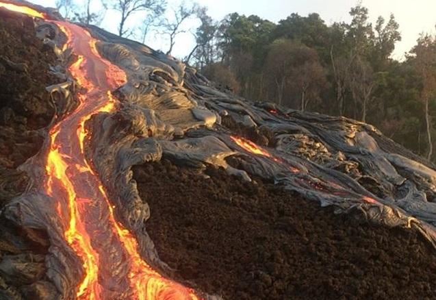 volcan y lava